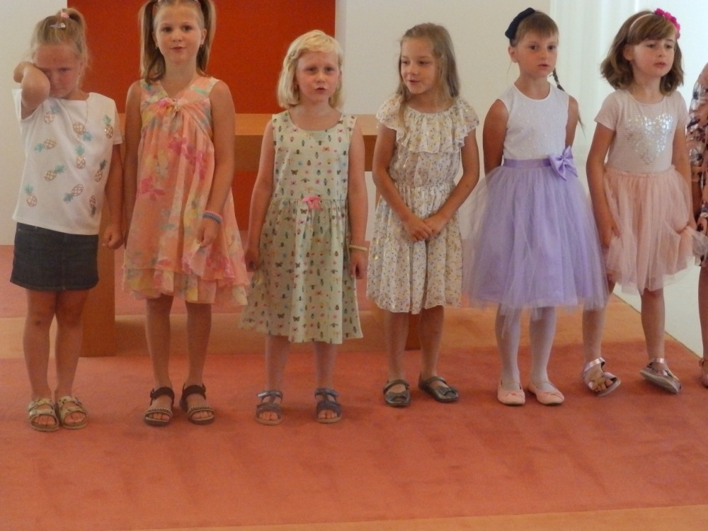 Rozloučení s předškoláky na OÚ - dívky