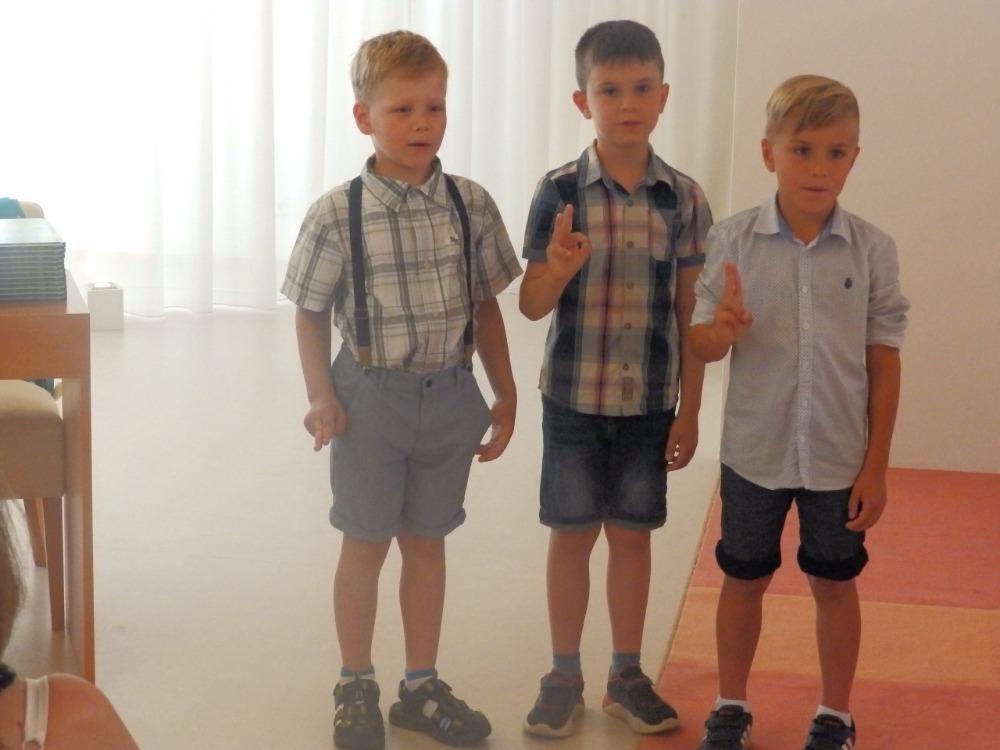 Rozloučení s předškoláky na OÚ - hoši