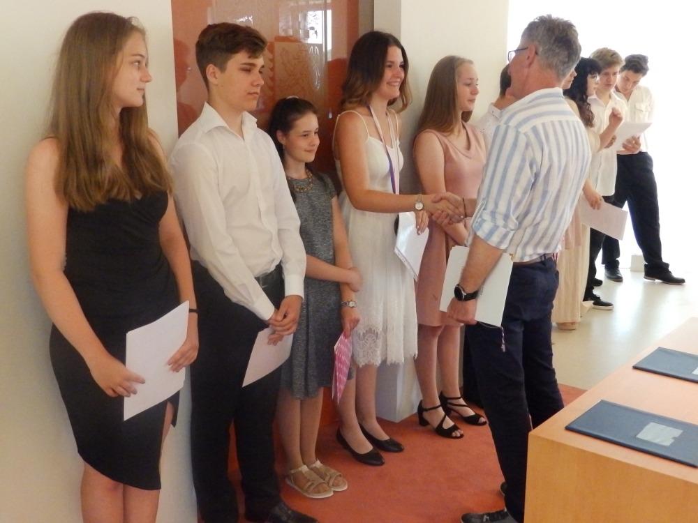 Pan starosta přeje vycházejícím žáků (14)
