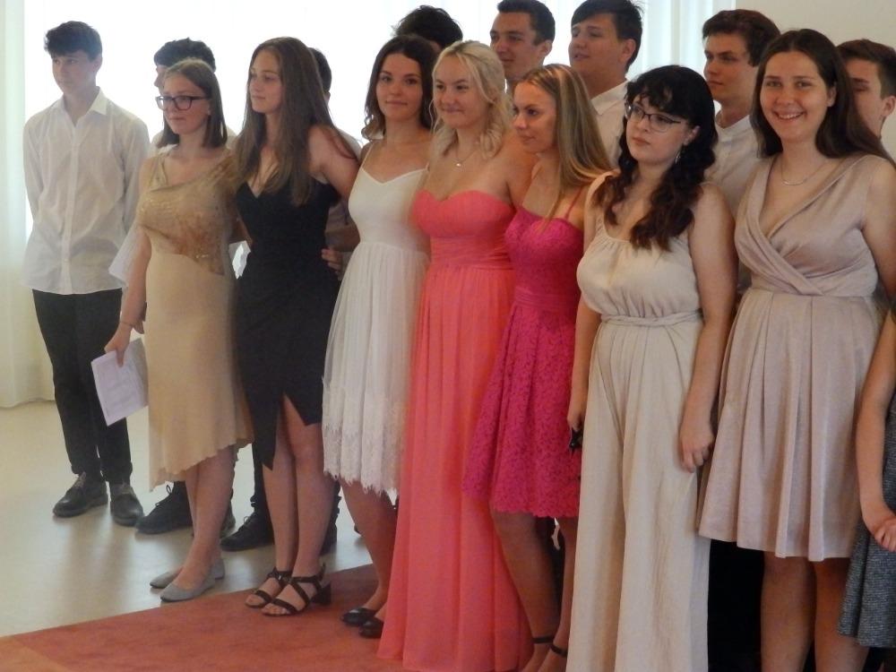 Žáci 9.A při slavnostním rozloučení na OÚ (5)